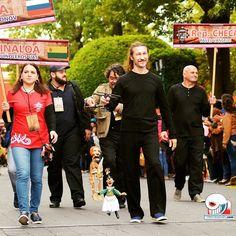 """Desfile: 31 Festival Internacional de Títeres """"Rosete Aranda"""" Más fotos visita el link en el perfil ________________________________________ #ViveTlaxcala !  """"A la Vista de Todos..."""" ________________________________________ Mas Información y otros eventos visita: www.ViveTlaxcala.com ________________________________________ #titeres #tlaxcala #huamantla #desfile #cultura --- #love #igers #bestoftheday #instagood #likesforlikes #follow #photooftheday #TLTer #likes #f4f #happy #beautiful…"""
