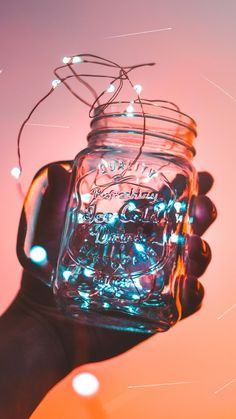 Fairy Lights in Mason Jar Iphone Wallpaper Lights, Bright Wallpaper, Butterfly Wallpaper, Tumblr Wallpaper, Galaxy Wallpaper, Aesthetic Iphone Wallpaper, Cool Wallpaper, Aesthetic Wallpapers, Helle Wallpaper