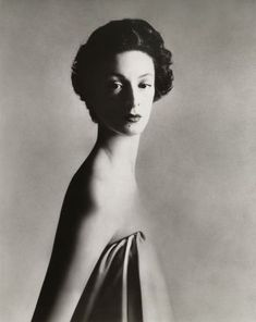 A newly-married Marella Agnelli photographed by Avedon in New York, December 1953.