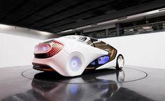 """Presentata al CES 2017 la nuova auto-robot di Toyota. Si chiama Concept-i e sarà in grado di intrecciare un legame molto """"friendly"""" con chi la guiderà"""
