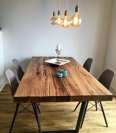 Esstisch / Massivholztisch aus Eichenholz-Altholz / Tischgestell aus Beton | Holzwerk-Hamburg