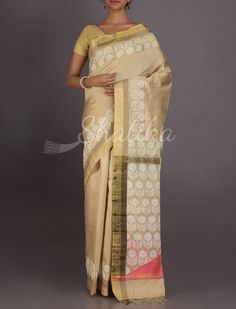 Prarthana Divine Cream With #WorkBorder Contrast Pallu #ChikankariSilkSaree