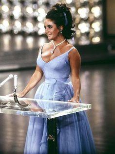 Frauen T-Shirt Foto von Star Ber/ühmte Schauspielerin Elizabeth Taylor 1974 Altes Kino Original 10
