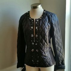 WHBM.....STUNNING BLACK...ZIPPER JACKET.... ...EXCELLENT CONDITION...NWOT. ...BRAND NEW.. ...NO FLAWS... ...STUNNING BEAUTIFUL  ...A MUST HAVE ...true to its size and color ...zipper jacket .. ...light feel....puffer...style  ...2 pic up close ...Diamond design throughout  ...zipper on front. ...Deco ...gems ...Deco ...zipper pockets  ...2 zipper pockets on front  ...black fabric design on sides ...MTRL....SHELL...100%nylon ...LINING....100%polyester  ...FILING....100%polyester  ...better in…