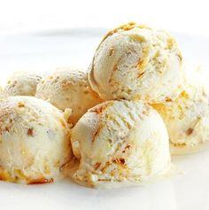 Esta receta de helado de queso Philadelphia se puede preparar también con requesón o con yogur griego. El proceso de elaboración es el mismo.