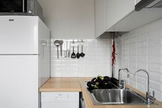 Eggplants Compact Bachelor Haven in Moscow Defined by the Mix of Modern with Retro