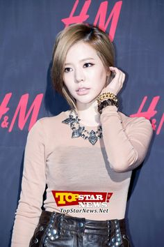 SNSD Girls' Generation 소녀시대 So Nyeo Shi Dae kpop sone soshi Sunny Lee Soon-kyu 이순규 Susan Soonkyu Lee 李純揆 써니