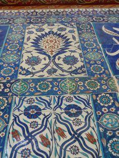 Rüstem Paşa Camii – Balcony West Gallery – Yukarı Batı Galerisi – Hatayi Motif
