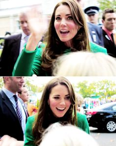 The Duchess of Cambridge greets the crowd in New Zealand, April 2014 #katemiddleton