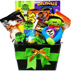 Hauntingly delicious gourmet halloween gift basket http art of appreciation gift baskets monster mash halloween candy basket httpmygourmetgifts negle Image collections