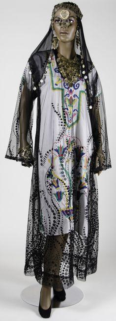 Jirjara robe, 1975-2010, Nubian peoples.