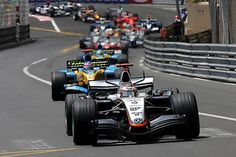 Kimi Raikkonen (FIN) McLaren Mercedes MP4/20 leads the field at the start of the race. Formula One World Championship, Rd6, Monaco Grand Prix, Race, Monte Carlo, Monaco, 22 May 2005