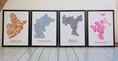 Plakater med typografiske kart av Bergen, Trondheim, Oslo og Stavanger,