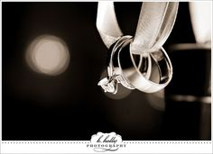 10 Wedding Ring Macro Photography Tips Bokeh Ring shots and Macro