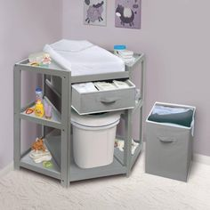 Badger Basket Diaper Corner Baby Changing Table with Pad and 1 Basket with Hamper Color: Gray Baby Nursery Diy, Baby Room Decor, Baby Nursery Ideas For Boy, Nursery Room Ideas, Baby Room Diy, Baby Changing Tables, Baby Changing Station, Diy Bebe, Baby Kicking