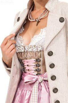 #Farbbberatung #Stilberatung #Farbenreich mit www.farben-reich.com Dirndl midi Luisa, elegant in rosa-braun, Krüger Feelings | Dirndltopia