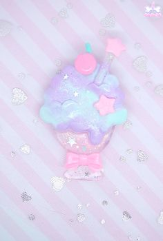Here is a super colorful big glass of fresh ice cream soda! It has a cute heart/star shaped straw and colorful stars & hearts sprinkles that decorate it all over~☆ Ice cream is made of pastel gradient cotton candy colors to add a fancy dreamy touch! size: 7,5 cm tall 15€♡