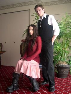 Firefly River and Simon Tam costumes - I wonder if Sam can convice her brother to dress up with her. Family Halloween Costumes, Halloween Cosplay, Cosplay Costumes, Halloween 2014, Cosplay Ideas, Costume Ideas, Firefly Costume, Firefly Cosplay, Amazing Cosplay