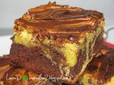 Marbled Brownies - imagine 1 mare Romanian Food, Eat Dessert First, Dessert Recipes, Desserts, Fudge, Brownies, French Toast, Cooking Recipes, Favorite Recipes