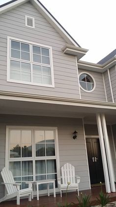 Building a Coastal Home – Husband and wife owner builders building a coastal dream House Exterior Color Schemes, House Paint Exterior, Exterior Colors, House Windows, Facade House, House Roof, House Exteriors, Hamptons Style Homes, Hamptons House