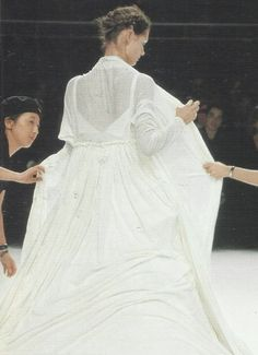 Malgosia Bela at Yohji Yamamoto, Spring/Summer 1999.      Found on petrole.tumblr.com via Tumblr
