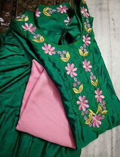 Punjabi Suits Designer Boutique, Boutique Suits, Indian Designer Outfits, Designer Dresses, Kurti Neck Designs, Kurti Designs Party Wear, Blouse Designs, Churidar Designs, Embroidery Suits Punjabi