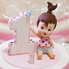 "463 curtidas, 15 comentários - Cesare Corsini (@cesaresugarfactory) no Instagram: ""#flintstones #birthdaycake #birthday #pebbles #party #babies #babygirl #caketopper #cakedesign…"""