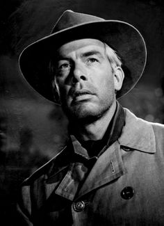 """""""The Grave"""" - A hired killer is challenged to visit the grave of an outlaw who swore vengeance against him. Starring Lee Marvin as Conny Miller, with Strother Martin. Cat Ballou, Twilight Zone Episodes, Lee Marvin, Night Gallery, Psychological Horror, Anthology Series, Portraits, Glamour, Tough Guy"""