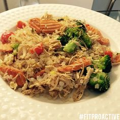 Skinny fried rice with chicken and vegetables! Super healthy, low calorie uses miracle rice instead of rice!