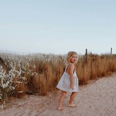 Missing summer and loving this capture of Indi in the wheat pinafore ☀️ Cute Kids, Cute Babies, Baby Kids, Beach Babies, Little People, Little Ones, Baby Family, Family Life, Kid Styles