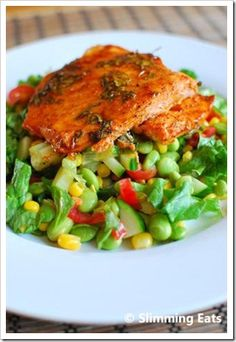 Honey, Lime and Chilli Salmon Fillet Slimming Eats Recipe Serves 2 Extra Easy – 1 syn per serving Original – 1 syn per serving (without the Edamame Bean Salad) Ingredients 2 Salmon Fillets 1 teaspoon Wrap Recipes, Salmon Recipes, Fish Recipes, Seafood Recipes, Cooking Recipes, Turkey Recipes, Slimming World Dinners, Slimming Eats, Slimming World Recipes