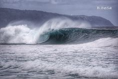 #throwback #offthewalls #pipeline #ehukai #beach #natureart #oceanminded_arts #waveporn #gorgeous #spot #surf #bodyboard #slabs #tubes #hawaiisbestphotos #ig_oahu #reef #nature #hawaii #northshore #oahu #best #waves #amazing #winter #picture #picoftheday #photo #igers #instagood @sonyimages @sonyalphasclub @sonyalpha6000 by b.desa808
