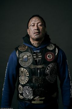 A patched vest shows the status of members within the Black Power gang Biker Clubs, Motorcycle Clubs, Mens Face Tattoos, Neck Tattoos, Sleeve Tattoos, Hawaiianisches Tattoo, Samoan Tattoo, Polynesian Tattoos, Grey Tattoo
