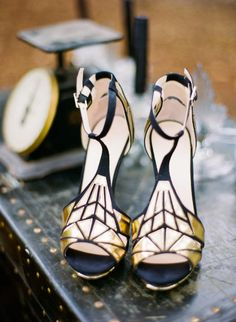 Art Deco Shoot + DIY from Oak and the Owl - Boutique 9 Art Deco Style Heels. Perfect for your black and gold Great Gatsby wedding! Boutique 9 A - Estilo Art Deco, Crazy Shoes, Me Too Shoes, Bridal Shoes, Wedding Shoes, Look Fashion, Fashion Shoes, Fashion Spring, Womens Fashion