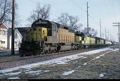 RailPictures.Net Photo: CNW 6913 Chicago & North Western Railroad EMD SD40-2 at Oshkosh, Wisconsin by Pete Greischar
