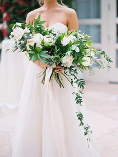 Emphasis on a #gorgeous wedding #bouquet! Photo Credit: Esther Sun Photography