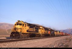 RailPictures.Net Photo: Santa Fe 5393 Atchison, Topeka & Santa Fe (ATSF) EMD SD45 at Monolith, California by John Shine
