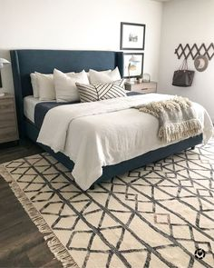 Home Decor Bedroom How to make your bed: A Step by Step Guide.Home Decor Bedroom How to make your bed: A Step by Step Guide Cozy Bedroom, Home Decor Bedroom, Chic Bedroom Ideas, Glam Bedroom, Decor Room, Bedroom Themes, Bedroom Colors, Basement Bedrooms, Basement Ideas
