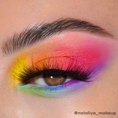 Rainbow Eye Makeup, Bright Eye Makeup, Edgy Makeup, Colorful Eye Makeup, Eye Makeup Art, Eyeshadow Makeup, Crazy Eyeshadow, Bright Eyeshadow, Colorful Eyeshadow