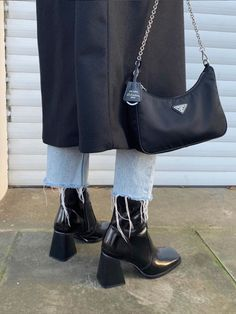 ✔ Fashion Inspo Casual Shoes Source by Winter fashion Mode Outfits, Fashion Outfits, Womens Fashion, Fashion Trends, Outfits With Boots, Black Boots Outfit, Girl Outfits, Trending Fashion, Fashion Heels