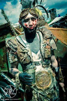Wacken Wasteland 2013 - XV by Wasteland-Warriors on deviantART Post Apocalyptic Costume, Post Apocalyptic Fashion, Larp, Apocalypse Costume, Wasteland Warrior, Wasteland Weekend, Hippie Man, Dieselpunk, Cyberpunk