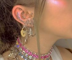 pinned by: ☆annaleah☆ - Mein Stil Punk Outfits, Indie Outfits, Cute Jewelry, Jewelry Accessories, Bold Jewelry, Trendy Jewelry, Summer Jewelry, Simple Jewelry, Jewelry Shop
