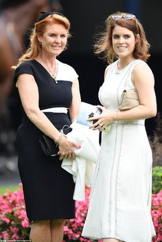 July 2016 ~ This is an image of Sarah Ferguson and her daughter Princess Eugenie of York at Royal Ascot. Sarah Duchess Of York, Duke And Duchess, Sarah Ferguson Wedding, Windsor, Eugenie Of York, 30th Wedding Anniversary, Elisabeth Ii, Princess Beatrice, Princess Kate