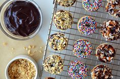 Skip the store-bought varieties and whip up the lightest, fluffiest glazed buttermilk doughnuts baked in a mini doughnut pan. Nutella Recipes, Donut Recipes, Snack Recipes, Dessert Recipes, Snacks, Dessert Ideas, Yummy Treats, Sweet Treats, Yummy Food