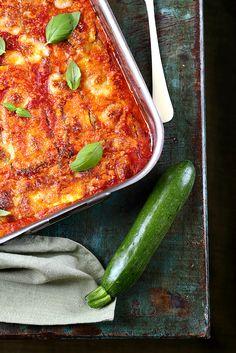 Un dejeuner de soleil: Parmigiana de courgettes, rajouter du hachis pour un plat complet