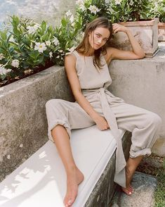 SIR The Label& romantic and elegant looks take resort wear to the next level with a simple palette that keeps things fresh and straightforward. Pink Fashion, Boho Fashion, Fashion Outfits, Womens Fashion, Fall Fashion Trends, Minimal Fashion, Sustainable Fashion, Spring Summer Fashion, Passion For Fashion