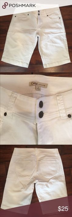 CAbi white shorts style #757 rn #54077 size 6 CAbi white shorts style #757 rn #54077 size 6. Like new. No stains, holes, tears. 99% cotton 1% spandex. Worn twice. CAbi Shorts Bermudas