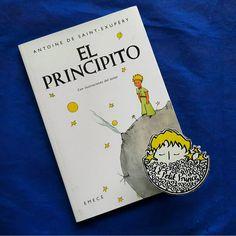 Günaydın.  Gün 7. İspanyolca: El Principito  İlk İspanyolca baskı 1951 yılında Arjantin'de yapıldı.  Bonifaxio del Carril çevirisiyle EMECÉ Editores SA tarafından Buenos Aires'te basıldı.  #kucukprens #küçükprens #hergün1küçükprens #lepetitprince #theittleprince #elprincipito  #opequenoprincipe #derkleineprinz #ilpiccoloprincipe #b612 #koleksiyon #collection #kitap #kitapokuma #exupery #kitapokumak #kitapkurdu #reading  #kucukprensmuze #küçükprensmüzesi #küçükprensmüze #ispanyolca #spanish…