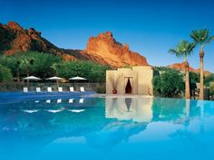 The Sanctuary on Camelback Mountain takes full advantage of its unique location—betweenthe Sonoran desert and the lush landscapes of Arizona's Paradise Valley—by including elements of each in their signature treatments. The Sanctuary offer a four-day wellness retreat full of Pilates, yoga, hiking, a weight management plan, spa treatments, and healthy meals.