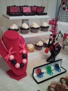 Barbie Fashionista Party | CatchMyParty.com